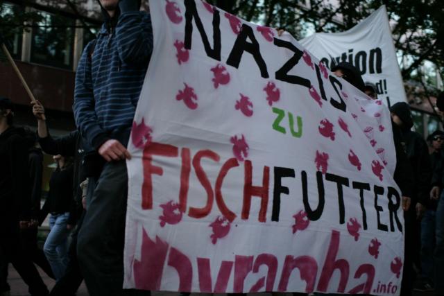 Nazis zu Fischfutter